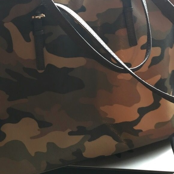 Limited edition Micheal Kors camo purse